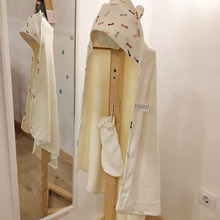 Lo más suave🤗 para tu peque👶 cuando salga del baño🛁, toalla con capucha y manopla de Petit Oh!.  Orgánico-saludable-sostenible 🌱🌱🌱  #mrbambukids #algodonpimaperuano #bañobebe #regalobebe #regalosbebé #comérciolocal