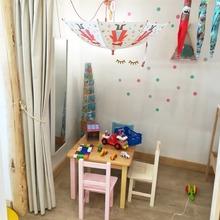 """Buenas 🧡🧡🧡 Poco a poco, volvemos a la """"""""normalidad""""""""🙄🙃🙃.   Habilitamos de nuevo la casita de la cabaña para que los peques prueben alguno de los juguetes y que se lo pasen pipa mientras realizáis las compras o visitáis la tienda. #mrbambukids #jugueteseducativos #juguetesdemadera #juguetessostenibles #aprenderjugando"""